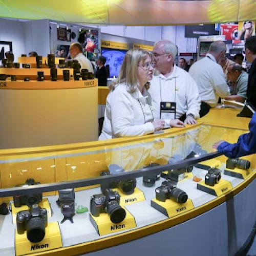 Roban un furgón de Nikon
